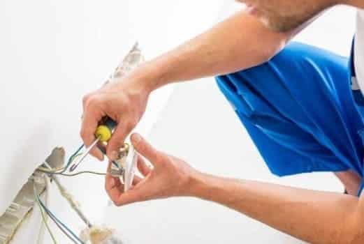 стоимость замены электрики в трехкомнатной квартире